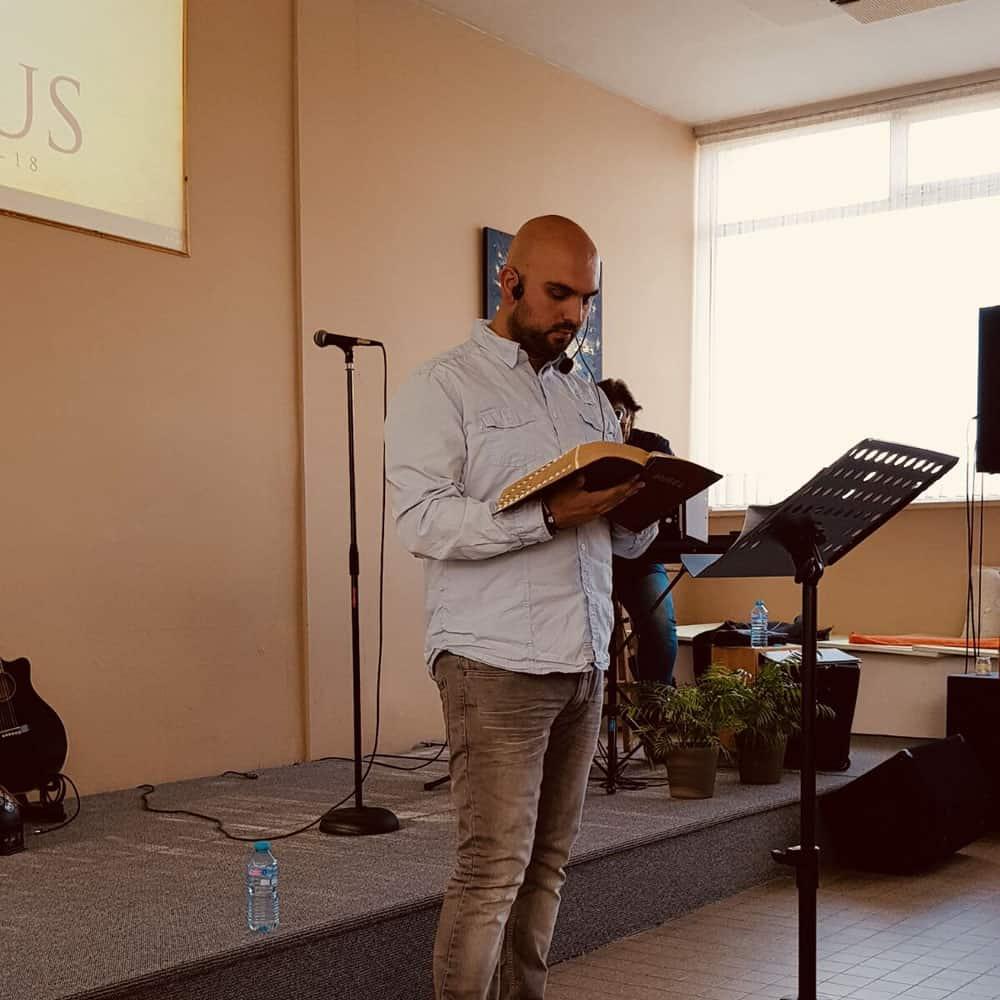 Zondagsdiensten   Property Of Jesus Ministries